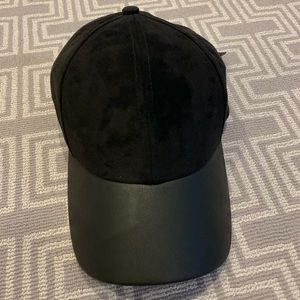 Black Wilfred free vegan suede and leather hat